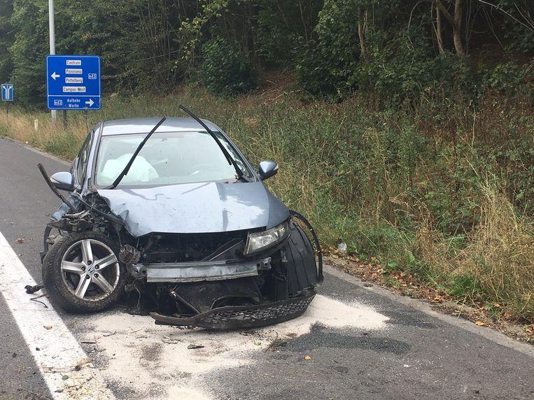 De Honda Civic liep zware schade op.