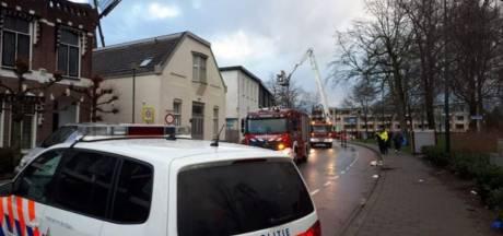 Dak waait naar de buren, weg in Veenendaal korte tijd afgesloten