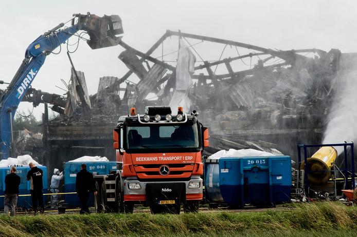 De sloop en sanering van megavarkensstal de Knorhof is inmiddels begonnen.