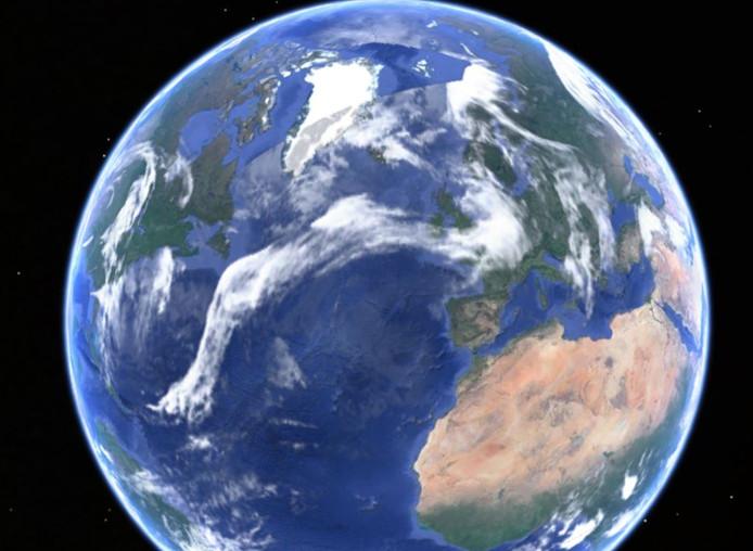 Het hogedruk boven de Azoren (boven de oceaan ten westen van Afrika) is bezig de buien boven Europa te verdrijven.