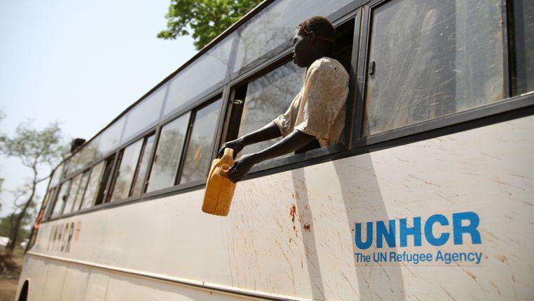 Soedanese vluchtelingen komen aan bij het Yusuf Batil kamp in Zuid-Soedan waar meer dan 100.000 vluchtelingen verblijven. Beeld afp