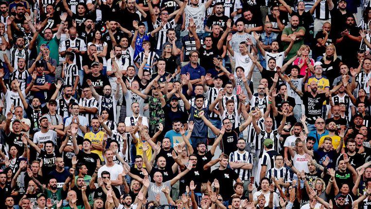 Een vak vol Juventus-fans tijdens een thuiswedstrijd in de Italiaanse Serie A vorig jaar. Beeld Laurens Lindhout/Soccrates