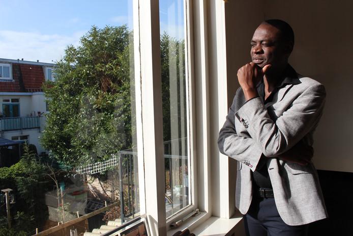 Alphonse Muambi maakt zich sterk voor de Afrikaanse gemeenschap in Den Haag.