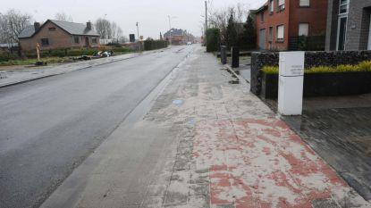 'Kleurenblinde' aannemer moet voetpaden herstellen