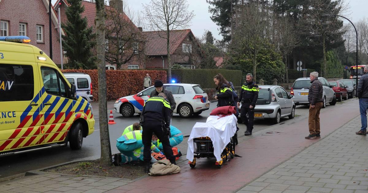 Vrouw zwaargewond na aanrijding met auto in Waalwijk.