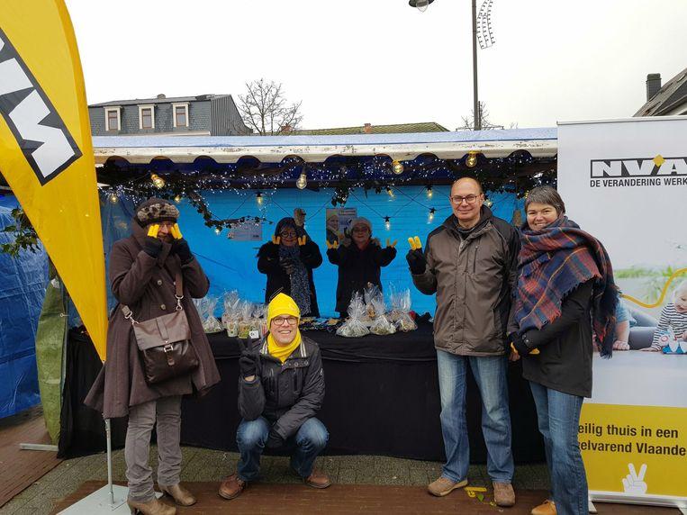 N-VA verkocht spulletjes op de kerstmarkt in Haacht.