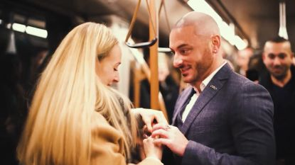 Jeremy scoort met muzikaal huwelijksaanzoek op Brusselse metro