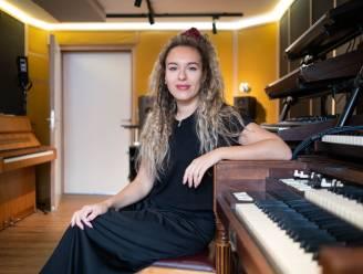 """The Voice-finaliste brengt met alter ego Ayla Dunes nieuw werk uit: """"Ik heb lang moeten zoeken naar mijn muzikale ik"""""""