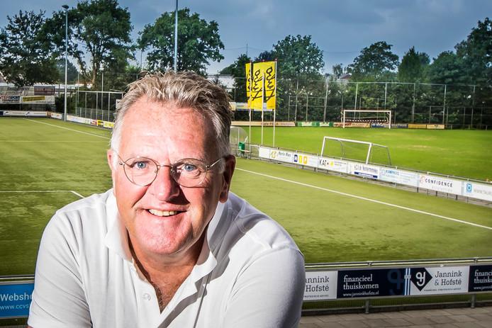 """Lukas van Belkum: """"Ik kijk liever voetbal bij BWO dan bij FC Twente."""""""