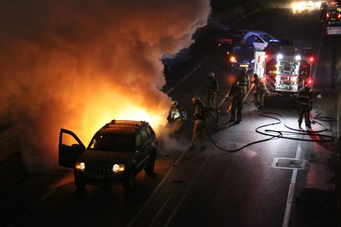 De autobrand op de Rondweg-Oost in Veenendaal.