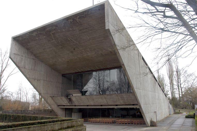De in ruw beton opgetrokken kapel van Kerselare was het bekendste bouwwerk van de Nazarethse architect Juliaan Lampens.