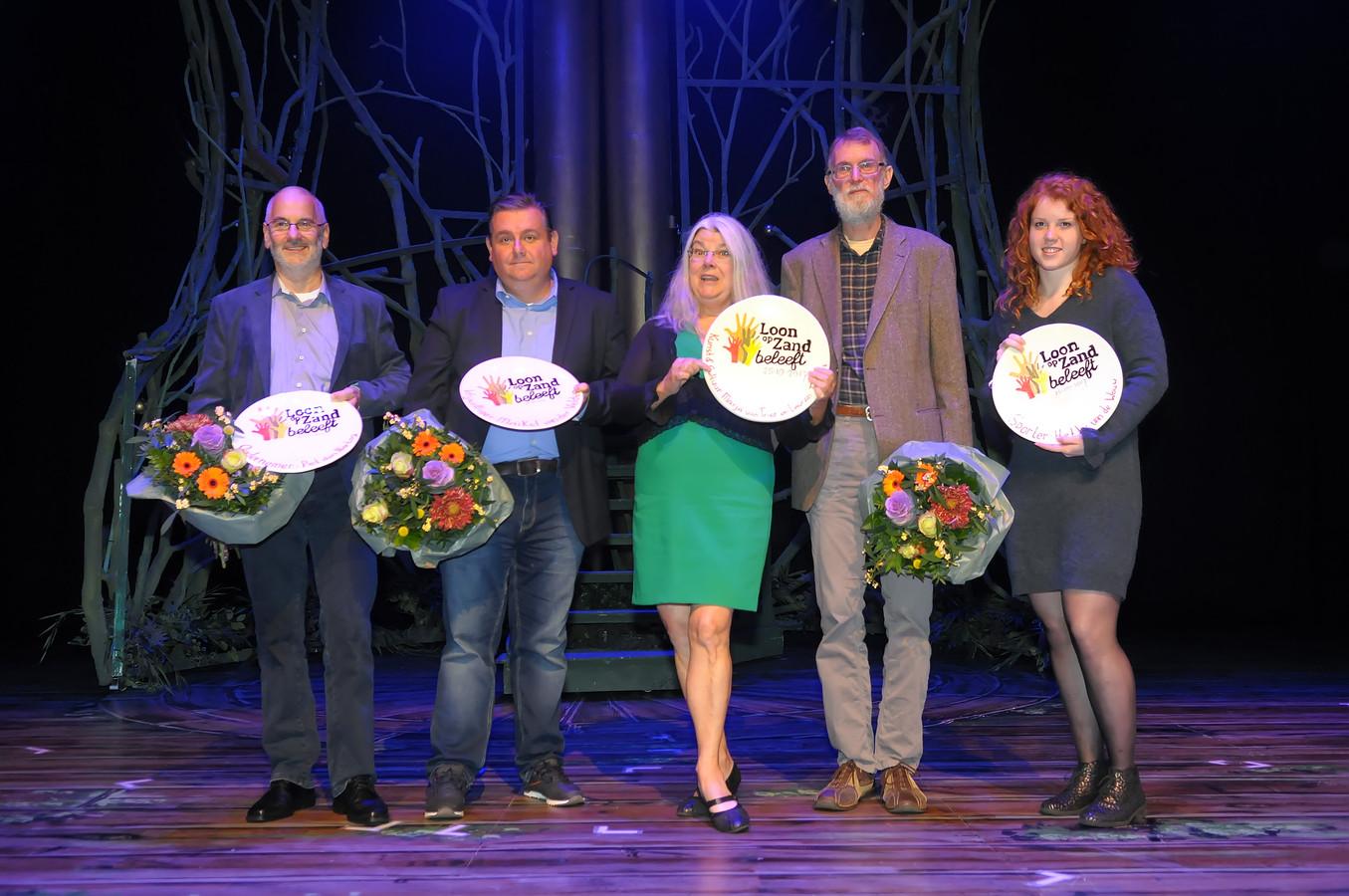 De winnaars van 2017 met v.l.n.r. Piet den Hartog, Maikel van der Velden, Marja van Trier, Lauran Toorians en Hetty van de Wouw.