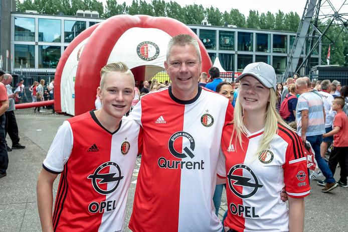 Sven van Leeuwen (13), Frank van Leeuwen (48) en Eva van Leeuwen (17).
