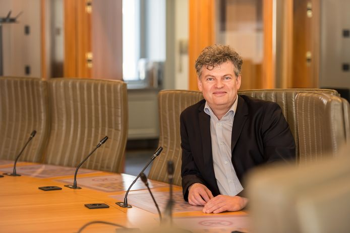 Bart Van Hulle in het Vlaams parlement.