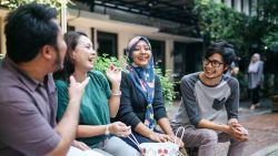 6 op de tien Belgen vinden vriendschap op het werk heel belangrijk