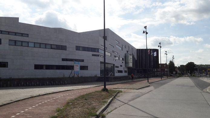 Het gebouw waar het stadhuis van Grave en woningcorporatie Mooiland zijn ondergebracht.