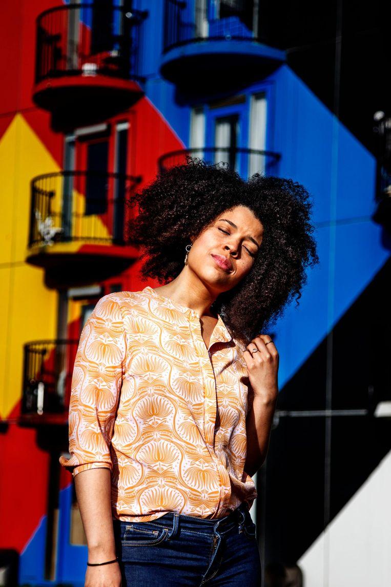 Angelique Houtveen: 'Ik vind het wel een interessant idee dat er meer in muziek zit dan we er soms uithalen' Beeld Ernst Coppejans