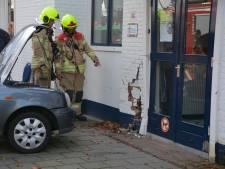 Automobiliste rijdt tegen de gevel van een kinderdagverblijf in Ridderkerk
