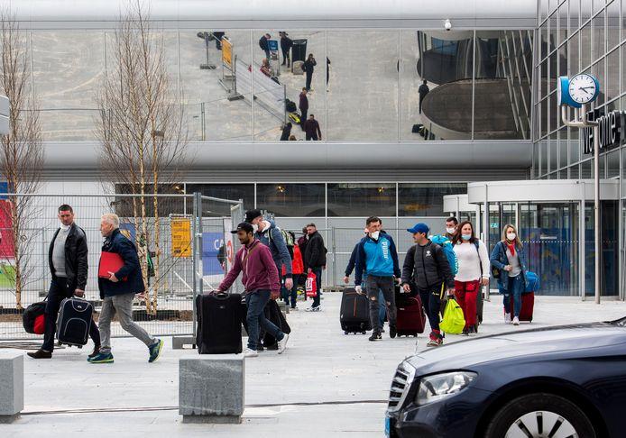 Wizzair maakte bekend zeker tot en met 18 april geen enkele vlucht naar Nederland meer uit te voeren.