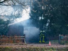 Asbest vrijgekomen bij uitgebrande garage in Diessen, naastgelegen woning behouden