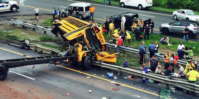 De bus werd bij de aanrijding volledig losgerukt van het chassis.