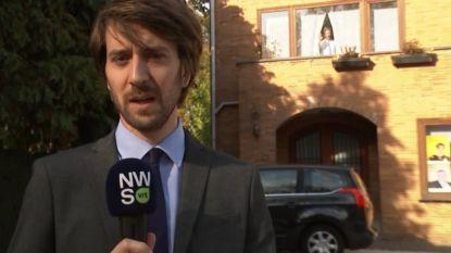 """Humor tijdens de verkiezingsshow: """"We weten niet of Bart De Wever de woning al verlaten heeft"""", maar wie staat daar aan het raam?"""