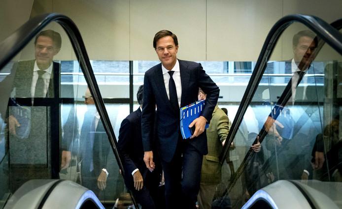 Premier Rutte op weg naar het debat over de regeringsverklaring