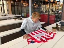 PSV'ers vragen met speciaal thuisshirt aandacht voor Brainport en verbinding, in mindere tijden