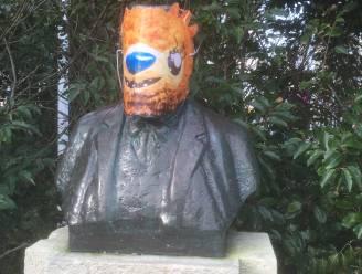 """De Stoete Ostendenoare laat opnieuw van zich horen: """"Burgemeestertje, Uw masker past nu ook bij de hypocriete maskers van Ensor"""""""