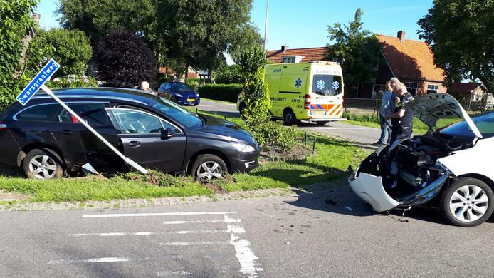 Beide voertuigen raakten fors beschadigd.