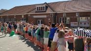 De leerlingen van de Rank vieren einde schooljaar op de rode loper
