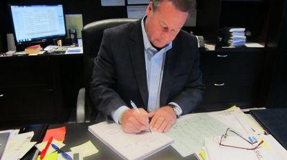 """CEO stuurt elk jaar persoonlijke verjaardagskaart naar 9.200 werknemers: """"Zo toon ik mijn dankbaarheid voor hun inzet"""""""
