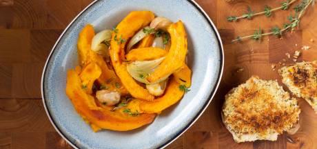Wat Eten We Vandaag: Varkensfilet in mosterdkorst met geroosterde pompoen