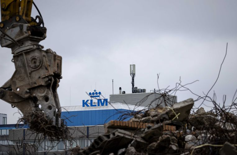 Het hoofdkantoor van KLM in Amstelveen. In de buurt wordt gesloopt. Beeld ANP