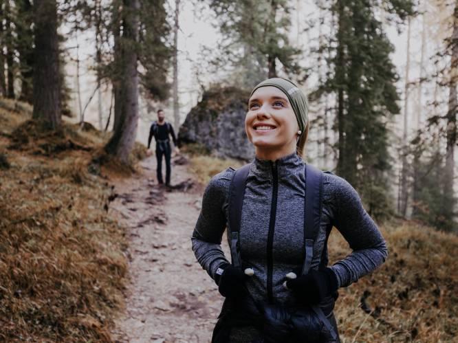 Zo daag je tijdens een wandeling je lichaam meer uit: 6 simpele tips van sportexperts