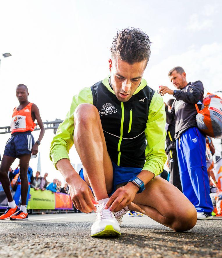 Khalid Choukoud bereidt zich voor op de marathon van Rotterdam. Beeld null