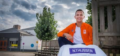 De weegschaal mag van judotalent Niels (17) niet mee op vakantie
