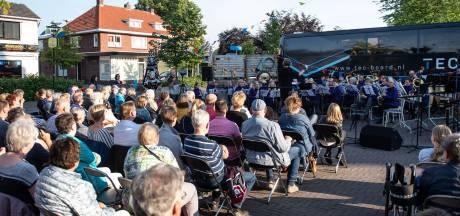 Vol Kerkplein voor Muziekvereniging Amicitia in Rietmolen