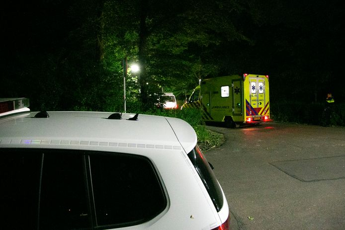 De hulpdiensten kwamen met spoed naar het Wantijpark.