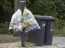 PK wil 'kapstok' voor vuilniszakken