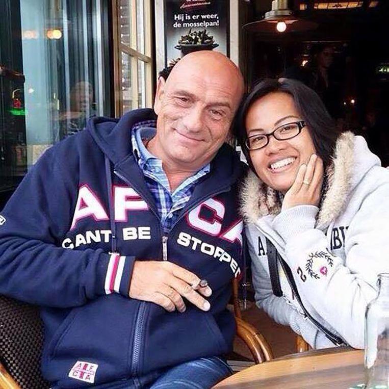 Pieter Hoovers en zijn vrouw Tae. Beeld Facebook