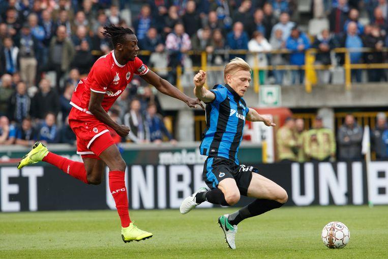 Saulo Decarli (r) op de laatste speeldag van het seizoen tegen Antwerp.