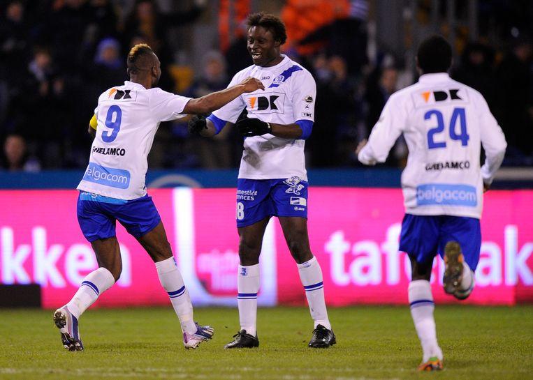 Elimane Coulibaly (centraal) in het shirt van AA Gent.