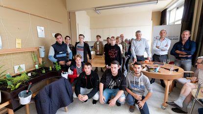 Leerlingen bouwen treincoupé voor rusthuisbewoners