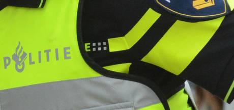 Dronken Osse caféganger door het lint in Doetinchem: agent lichtgewond