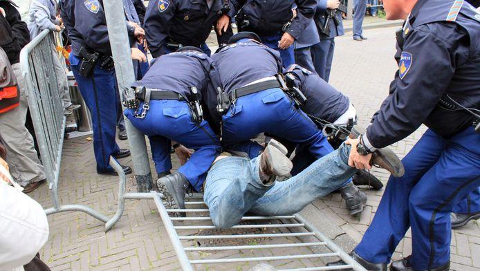 Erwin L. wordt tijdens Prinsjesdag 2010 opgepakt