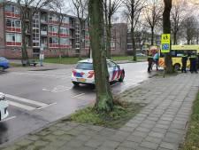 Voetgangster aangereden door auto en raakt gewond in Ede