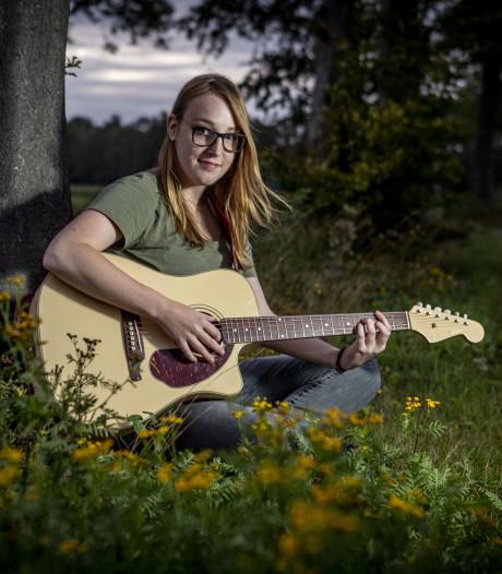 Kunstlokaal: Ondernemende singer-songwriter uit Eibergen