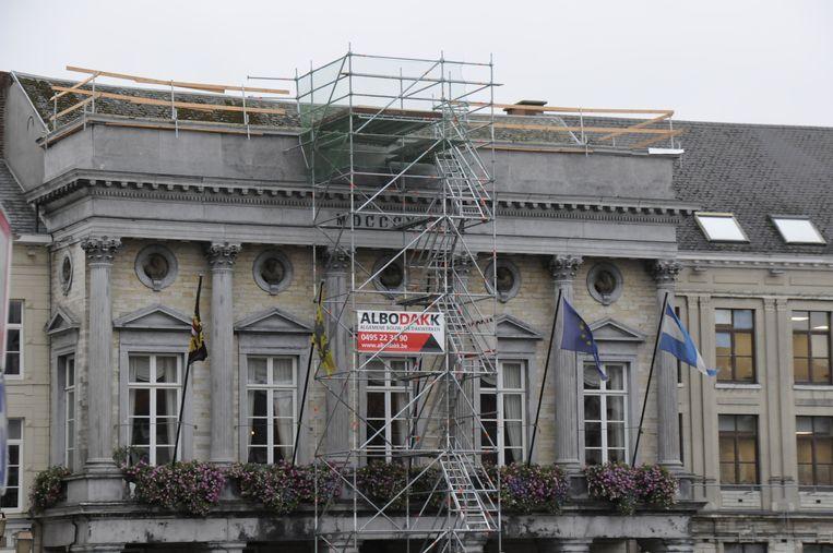 Stadhuis van Tienen in de steigers