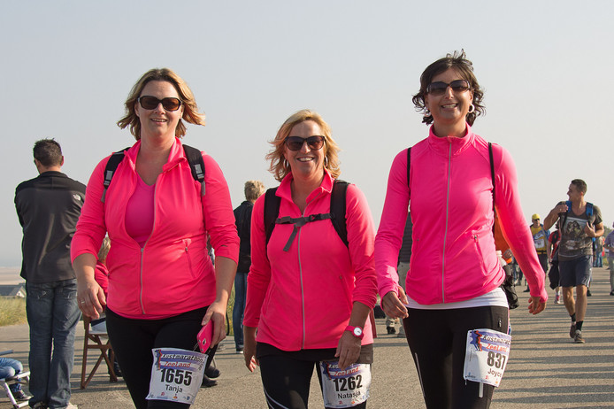 2015: deelneemsters aan de kustmarathon